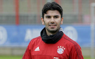 Tasci suffers head injury, misses Bayern unveiling