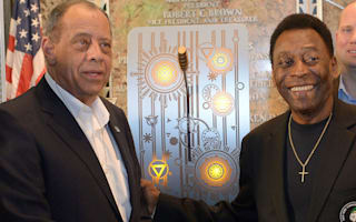 Pele hails 'friend and brother' Carlos Alberto
