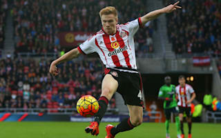 Sunderland youngster Watmore pens contract extension