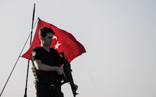Foreign Office warns Britons in Turkey amid military coup bid