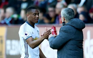 Ferguson would never do it - Sheringham unhappy with Mourinho style