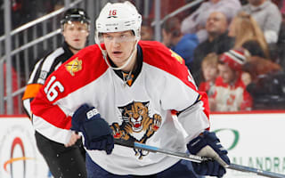 Panthers win again, Stars ease past Blues