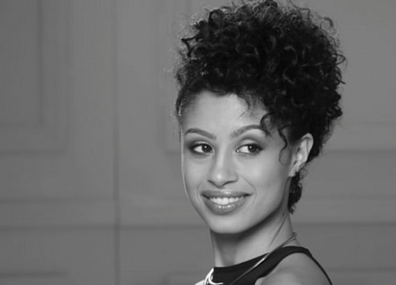 3 gorgeous hairstyles for girls with curly hair