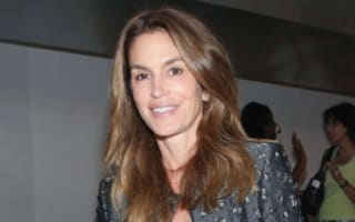 Cindy Crawford shares stunning pics from beach getaway