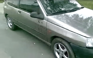 Video shows how to break into a car using just a shoelace