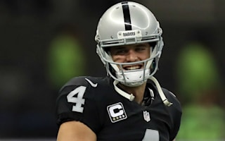 Carr comes through late to lift Raiders over Texans