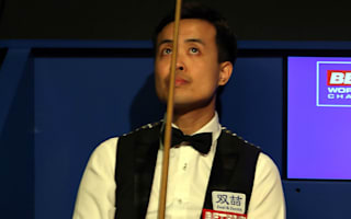 Snooker semi briefly halted by tip woe for Fu
