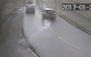 Video captures the moment a car was stolen with the owner's baby still inside