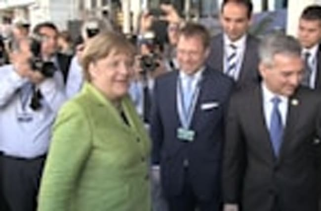 Merkel, Rajoy and Juncker arrive for Malta congress