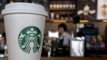 Starbucks también avanza hacia locales de pago automático