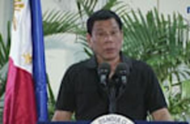 Duterte Compares Anti-Drug Killings to Holocaust