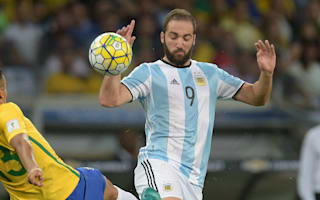 Higuain dropped by Argentina, Aguero still benched