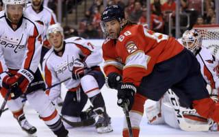 Jagr scores 750th NHL goal, Penguins win