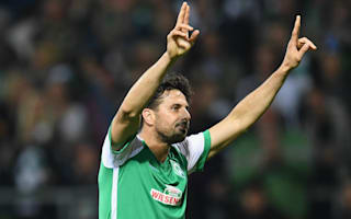 Pizarro signs one-year Werder Bremen extension