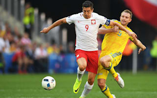 Poland through but worries persist over out-of-touch Lewandowski