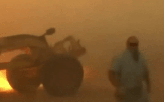 Driver narrowly avoids wildfire in Oklahoma