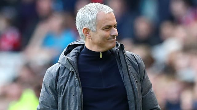 Manchester United survive Middlesbrough fightback to win 3-1