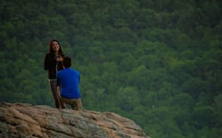 Photographer captures wrong couple's marriage proposal