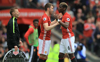 Carrick signs new one-year Manchester United deal