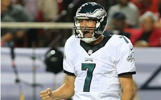 Eagles sign Bradford to two-year deal