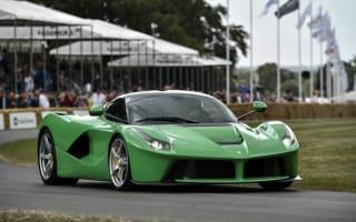 Video: Ferrari LaFerrari vs Lamborghini Sesto Elemento
