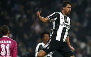 Juventus 3 Pescara 0: Khedira, Mandzukic, Hernanes extend winning run