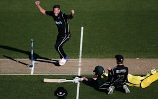 Stoinis and Australia fall agonisingly short in dramatic finish