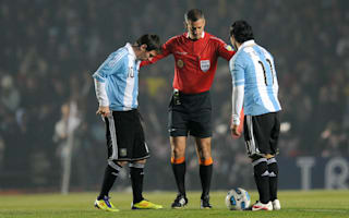 Tevez: Playing with Messi can be very difficult