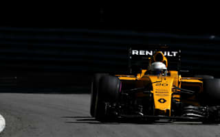 Magnussen smash wrecks FP3