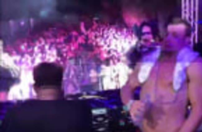 ROB GRONKOWSKI -- HIJACKS DJ BOOTH... Topless Turn Up
