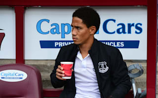 Everton accused of being 'unreasonable' over Pienaar contract
