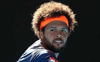 Tsonga edges Berdych for maiden clay-court title