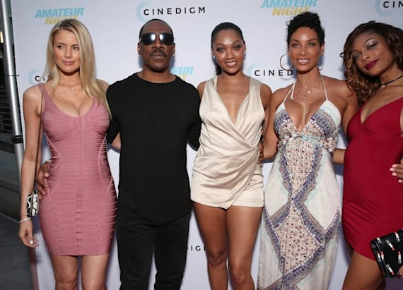 Eddie Murphy's daughters outshine him at premiere