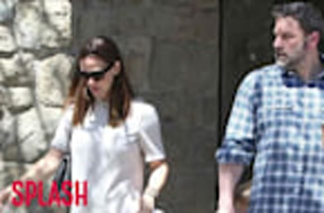 Divorcing Ben Affleck and Jennifer Garner Vacation in the Bahamas