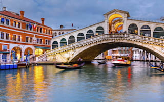 15 beautiful towns and cities built on water