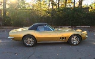 Barn-find Chevrolet Corvette sells in Carolina