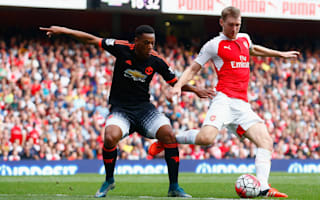 Mertesacker eyeing United double