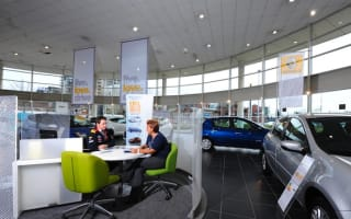 Car dealers offer bigger savings to women