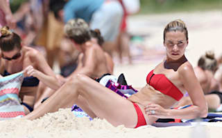 Kevin Pietersen and family enjoy beach holiday in Sydney