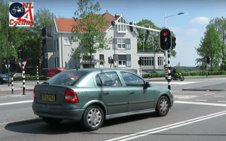 Netherlands' clever traffic lights cut waiting times