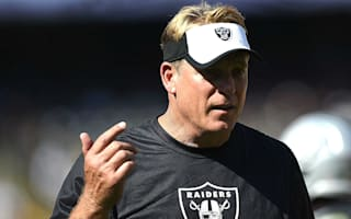 Del Rio extends Raiders contract