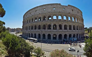 Tourists injured trying to break into Rome's Colosseum