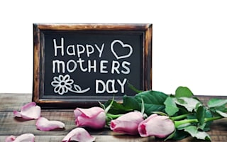 Interflora delivers dead and damaged flowers for Mother's Day