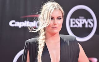 Returning Vonn 'struggling to do her hair and put on gloves'