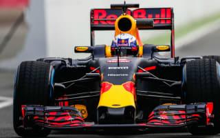 Ricciardo remaining positive despite no engine gains