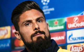 Giroud ready to fight for Arsenal chance