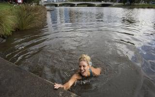 Australian Open: Kerber's river dive, Soares does daily double