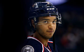 Blue Jackets, Blackhawks extend streaks
