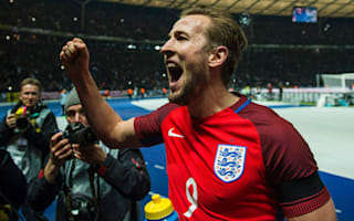 Kane eyes Euro 2016 golden boot after 'amazing' Shearer comparisons
