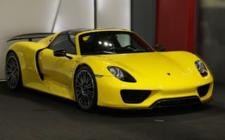Bright yellow Porsche 918 hits the market